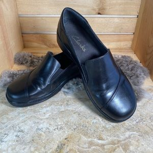 Clark's All Black Leather Comfort Clogs